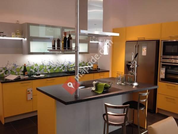 PLANA Küchenland - VK Küchenfachhandels GmbH - Küchen nach Maß - Hanau